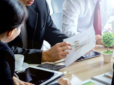 business-meeting_t20_JapQbP