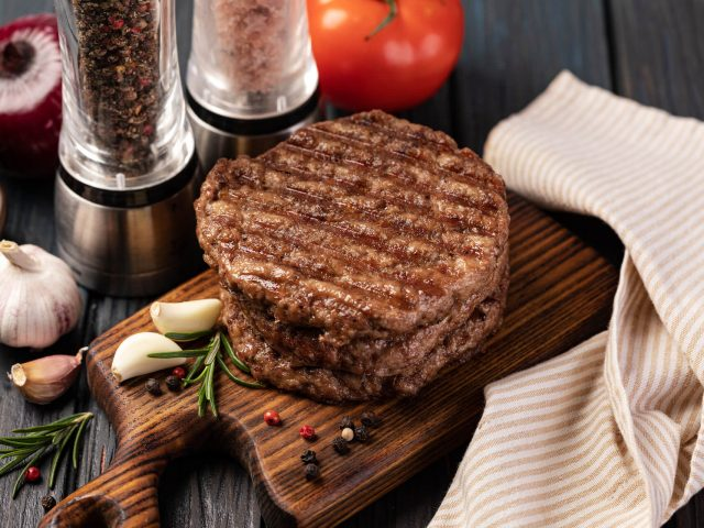 fresh-meat-cutlets-UN6JJEU